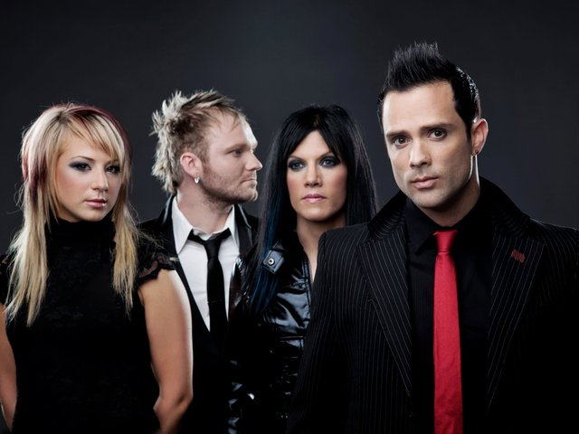 Kill Me, Heal Me (Unplugged) Skillet